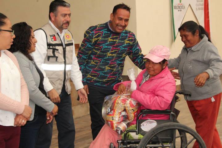 Ayuntamiento y CEPC entregan insumos invernales a grupos vulnerables