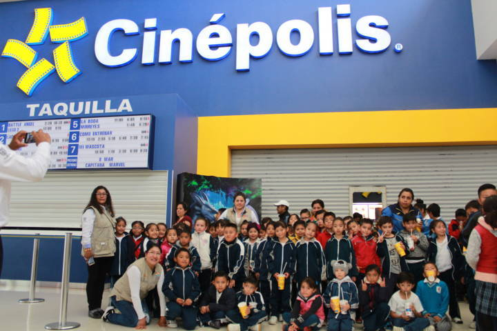 """El DIF municipal promueve el programa """"Vamos todos al cine"""" gratis"""