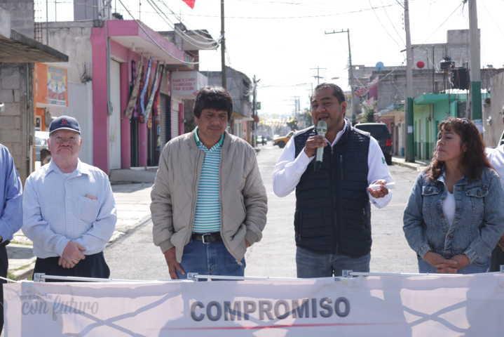 Alcalde entrega obra de servicio básico por 1.5 mdp en Ixcotla