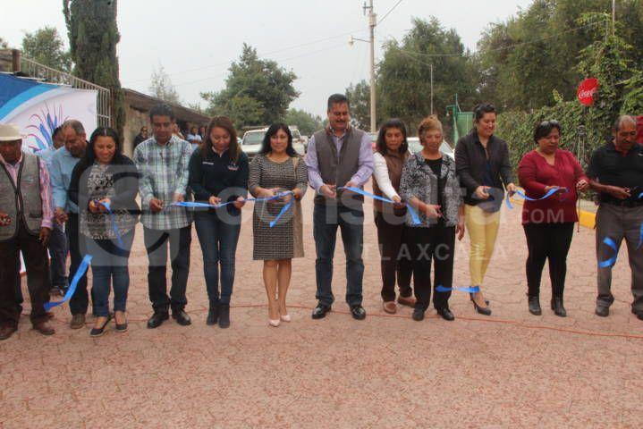 Villarreal Chairez continúa entregando obra pública ahora en Tlacuilohcan