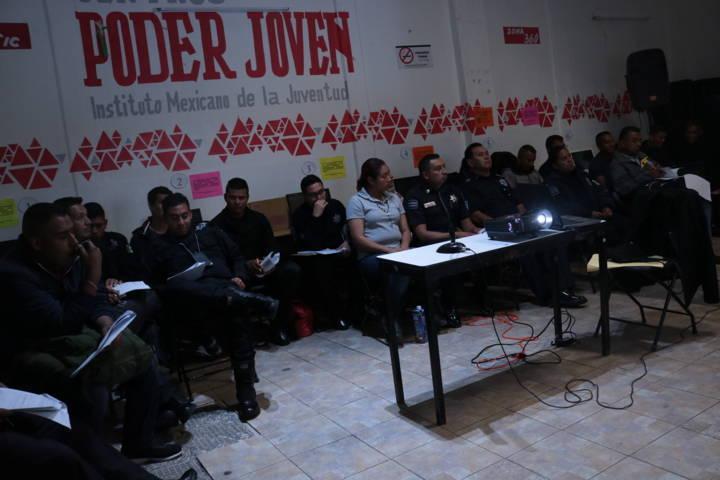 Policias saraperos se capacitan en base al IPH