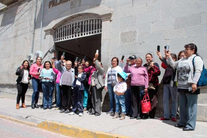 Entrega SMDIF Xaltocan anteojos a grupos vulnerables del municipio