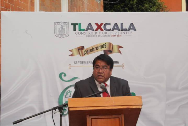 Alcalde realiza el Arrio de Bandera en el 207 aniversario de nuestra Independencia