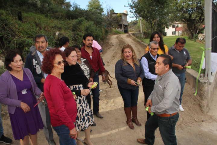 Carin Molina entrega 2 obras de servicios básicos en privada Canteras