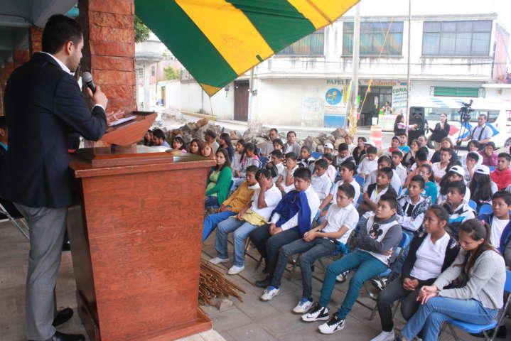 Alcalde atestigua inauguración del Centro de Desarrollo Integral Juvenil