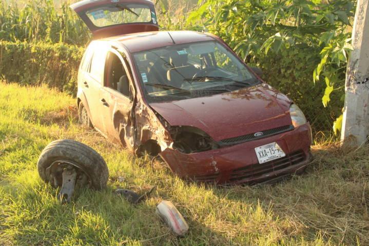 Volcadura deja un lesionado en la autopista Tlaxcala-San Martin