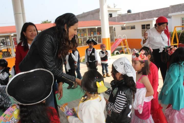 Ayuntamiento y SMDIF festejaron a cientos de niños y niñas en su día