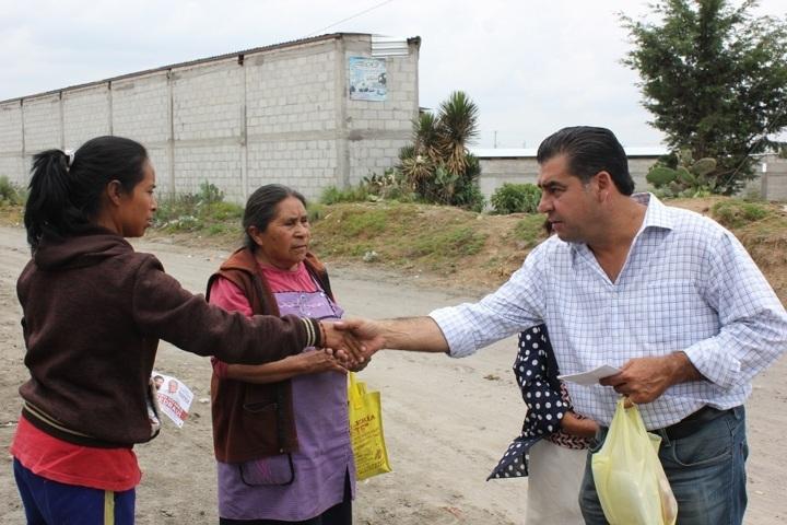 Ridículos, los candidatos que prometen presentar 300 iniciativas: Ramiro Vivanco