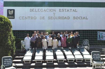 Recibe IMSS Tlaxcala sillas-camas para sus áreas hospitalarias
