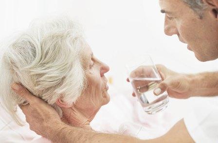Adultos mayores reciben atención especializada en el IMSS