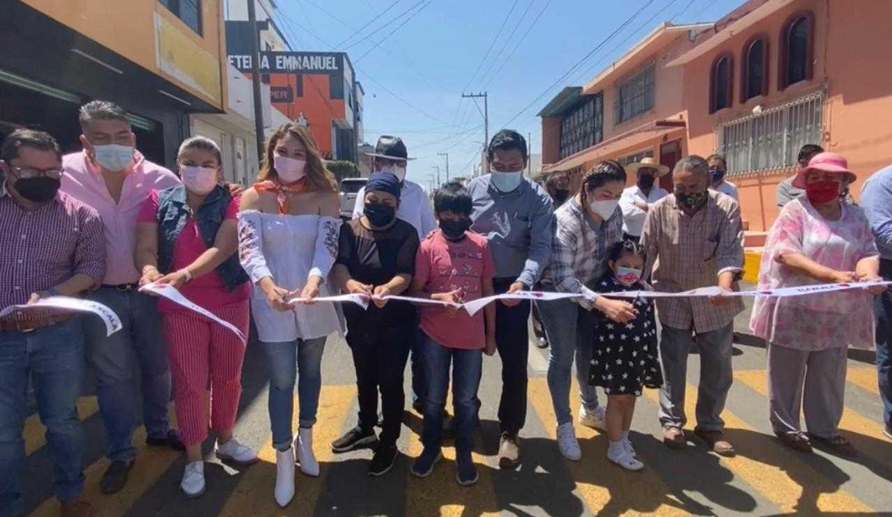 Entrega Mildred Vergara obra en la colonia Loma Xicohténcatl