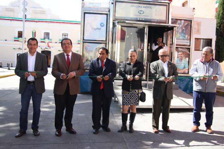 Ayuntamiento acerca unidad móvil de NAFINSA a empresarios