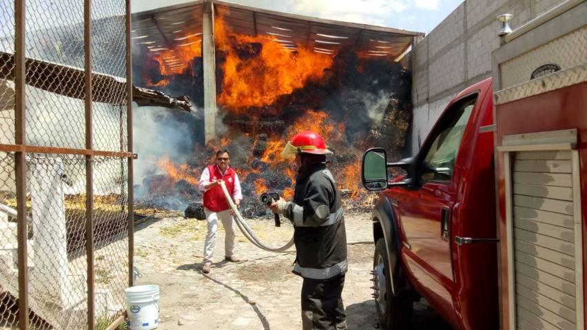 Protección Civil de Huamantla sofocan incendio en la comunidad de Morelos