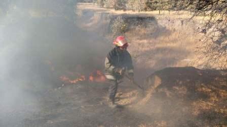 Bomberos no dejan de combatir incendios en Tlaxcala