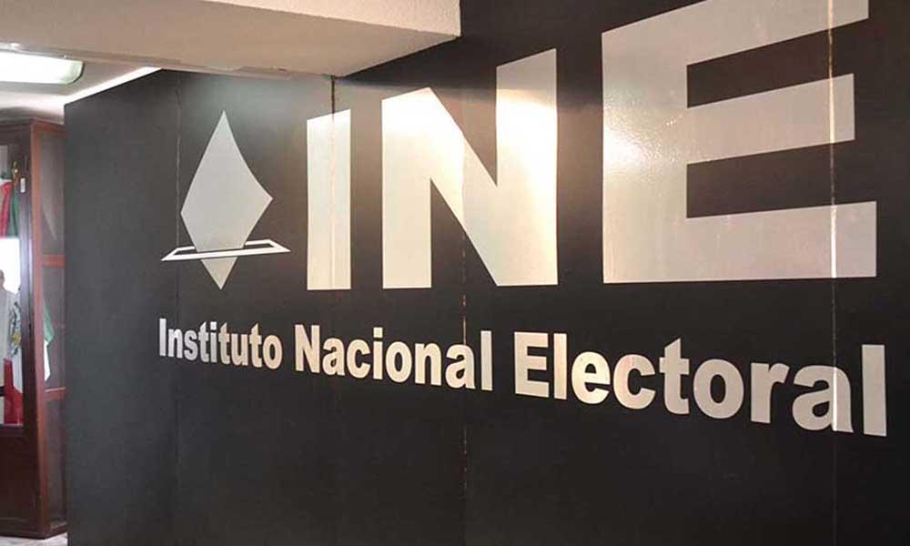 Denuncian retraso en el INE para recabar firmas