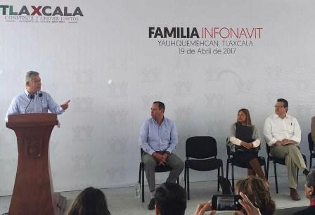 Premia Infonavit a Tlaxcala por la gestión de Marco Mena