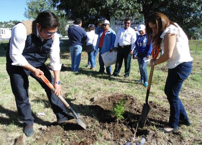 """Giovanni Pérez Briones pone en marcha programa de reforestación 2017 """"Totolac Respira"""""""