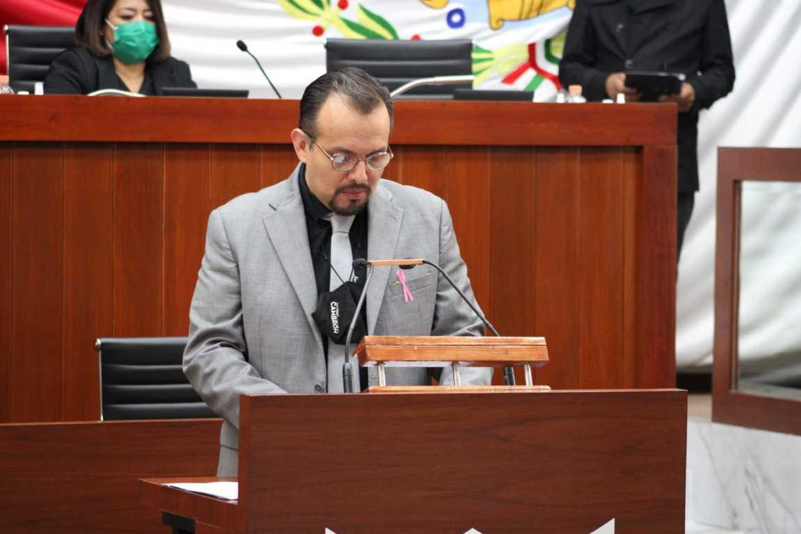 Presenta Cambrón iniciativa para modificar ley orgánica del Poder Legislativo