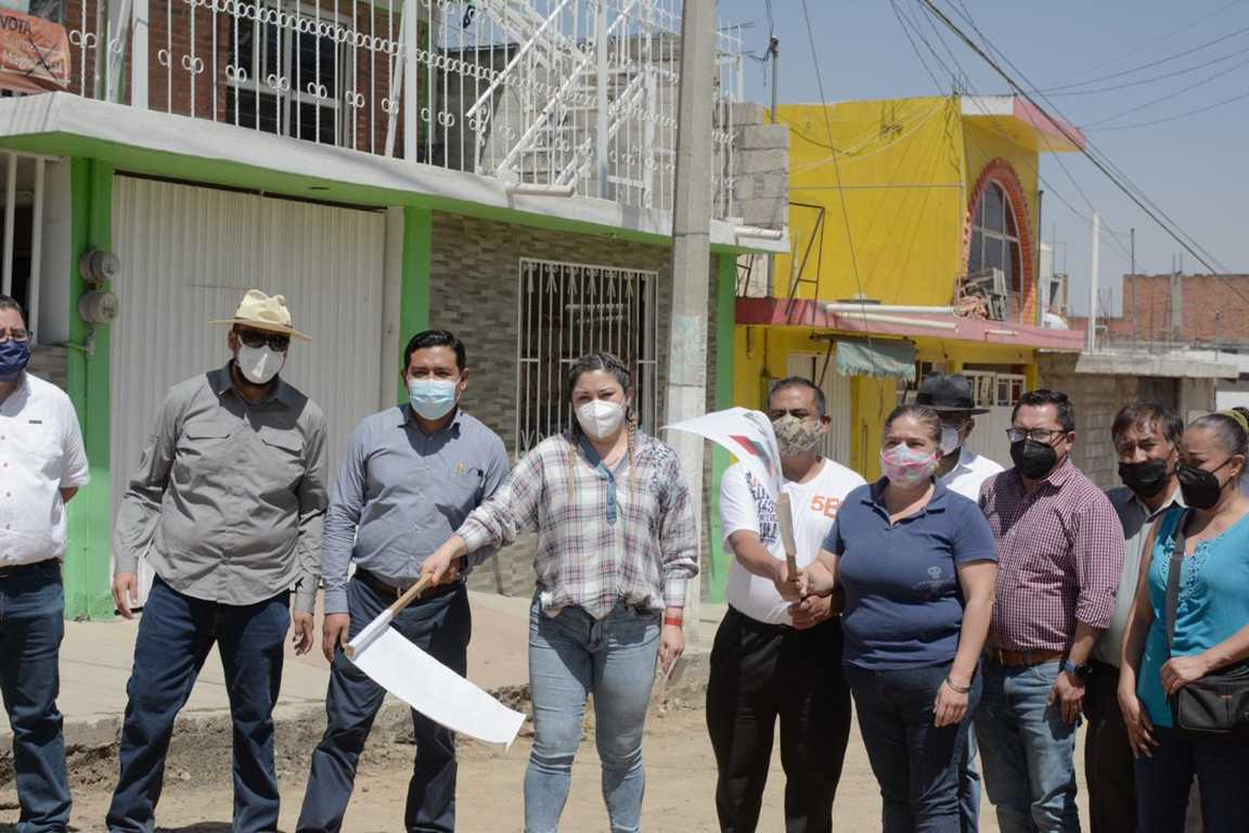 Dan banderazo de inicio de obras en distintas zonas de la Capital