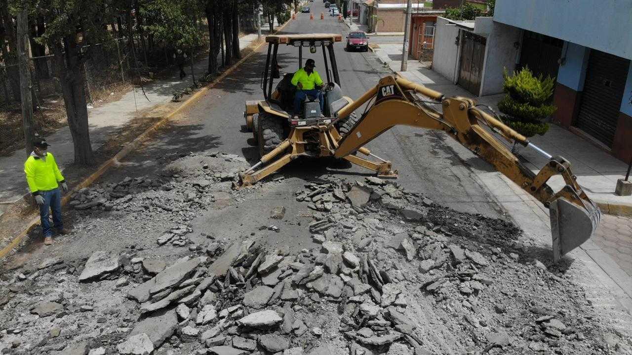 Continúan obras de pavimentación en beneficio de los habitantes de Huamantla