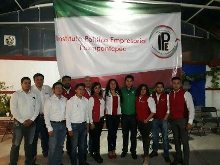 El IPE toma protesta al comité municipal de Tzompantepec