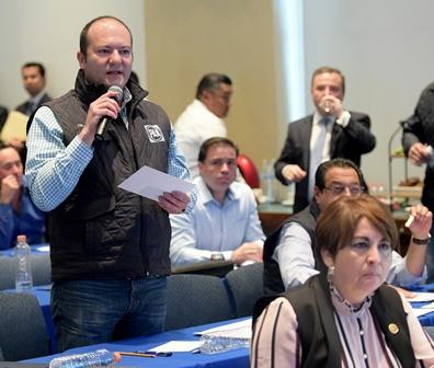 Plantea Corral que México debe aplicar aranceles a productos de EU