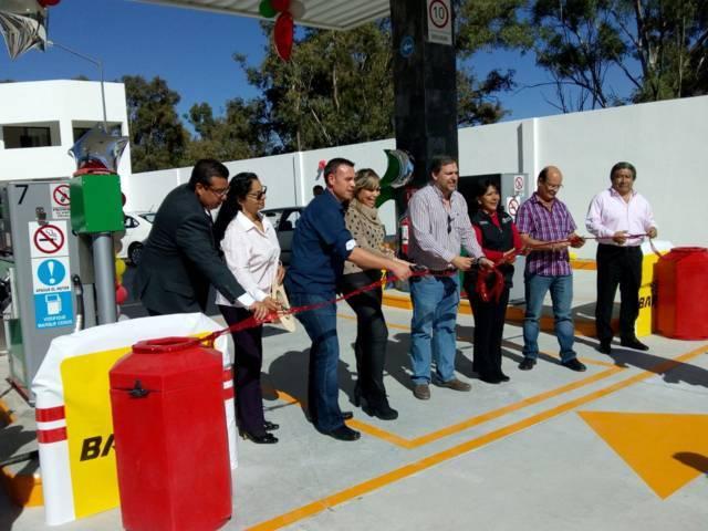 Inaugura Anabell Ávalos nuevos establecimientos en la Capital