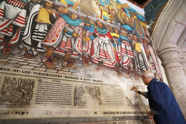 Registra 30 por ciento de avance restauración de murales de Palacio de Gobierno