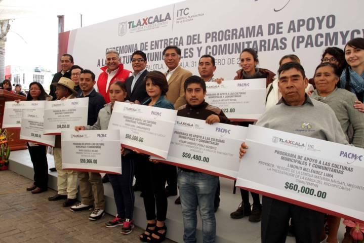Entrega ITC apoyos a las culturas municipales y comunitarias