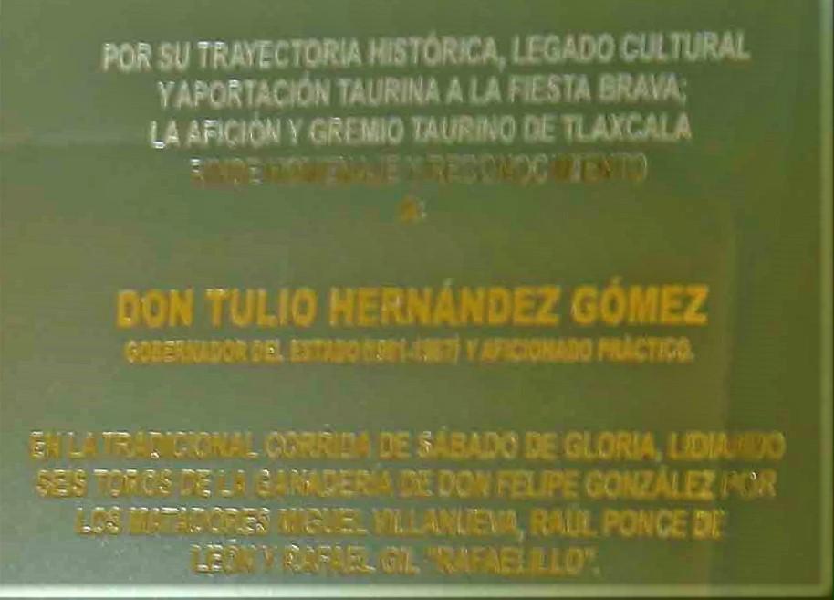 Rinden homenaje a Tulio Hernández por su apoyo a la tradición taurina