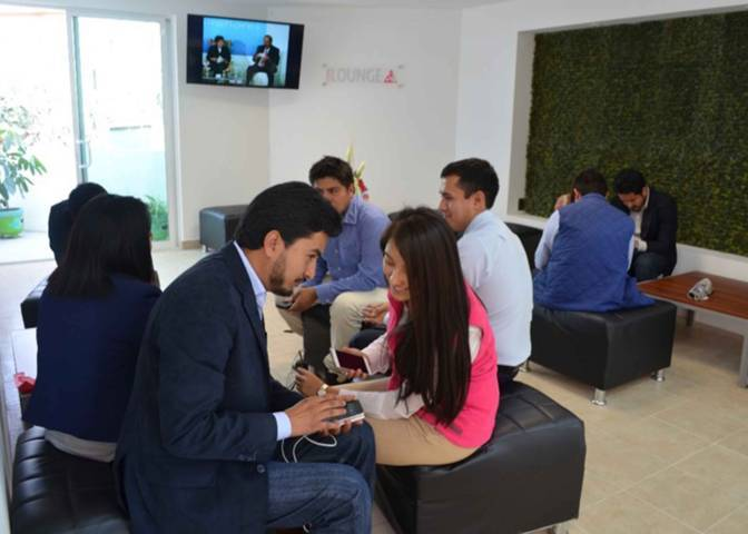 Respalda ITJ proyectos de jóvenes en la Casa Del Emprendedor
