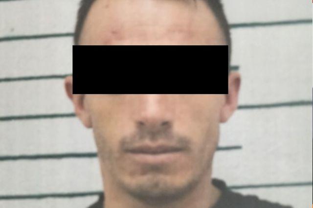 Es detenido sujeto por robo, así como portación de armas y drogas