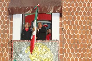 Alcalde de Ixtacuixtla vitoreó a los héroes patrios
