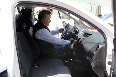 Alcalde refuerza la seguridad municipal con 2 patrullas nuevas