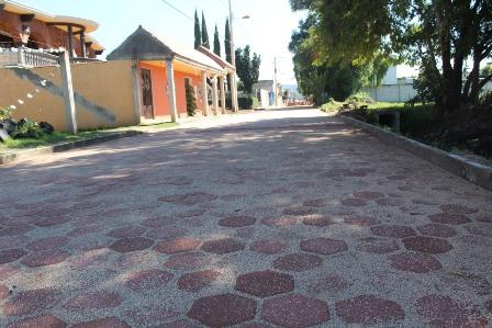 Alcalde mejora imagen urbana de calle en Xocoyucan
