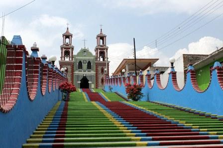 Restauran templo del Calvario en Ixtacuixtla