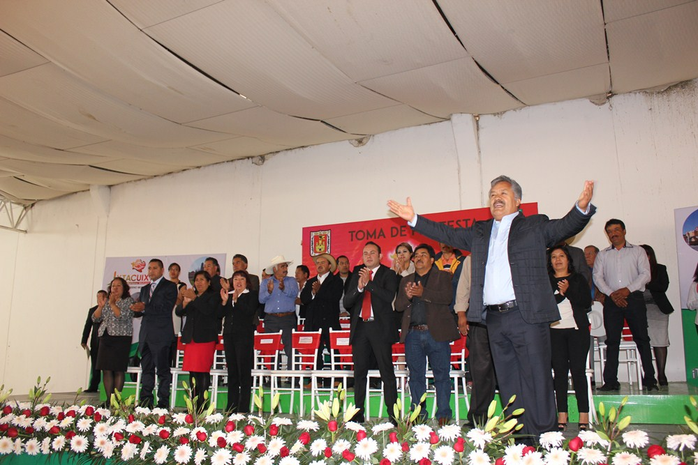 Toma protesta Rafael Zambrano como presidente municipal en Ixtacuixtla