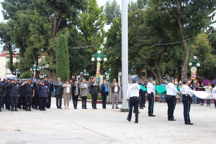 Sánchez Jasso encabezó tradicional desfile del 16 de septiembre