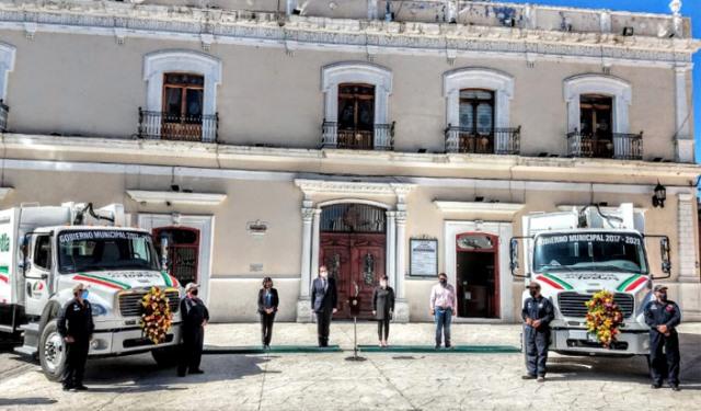 Jasso entrega 2 camiones recolectores; anuncia acciones por baja recaudación