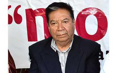 Tongolele oferta candidaturas a cambio de apoyo para ser gobernador