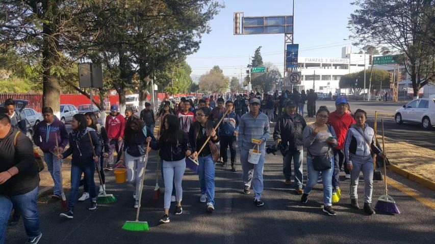 Efectúan Jornada de Limpieza en el bulevar Puebla-Tlaxcala