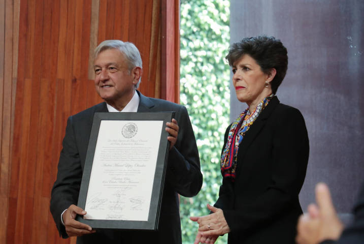 Entregan constancia de Presidente Electo a Andrés Manuel López Obrador