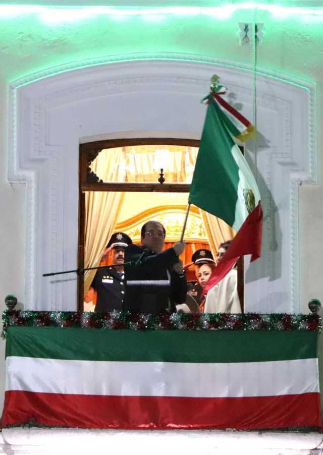 Sánchez Jasso da el tradicional Grito de Independencia ante miles de personas