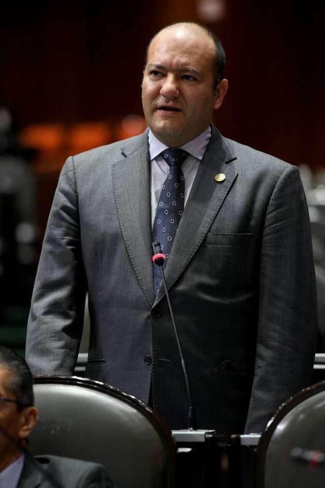 Mentira que reforma a la Ley del Trabajo reduzca salarios de trabajadores: Juan Corral