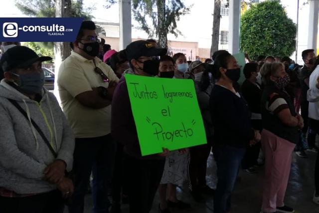 Pobladores de SPM convienen continuar con el proyecto del ex panteón