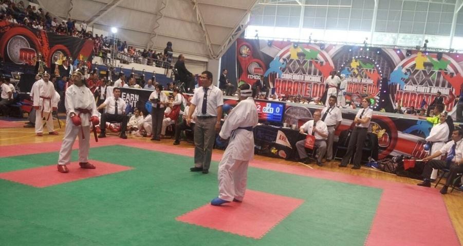 Logran cuatro karatecas pasar a la Olimpiada