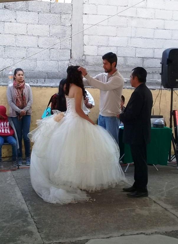Aspirante independiente corona a la Reina de Feria de Santa Inés Tecuexcomac