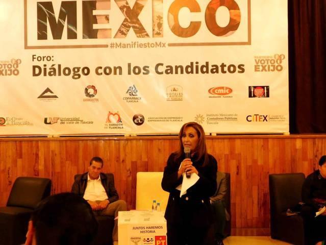 Lorena Cuéllar se lleva el foro organizado por la COPARMEX