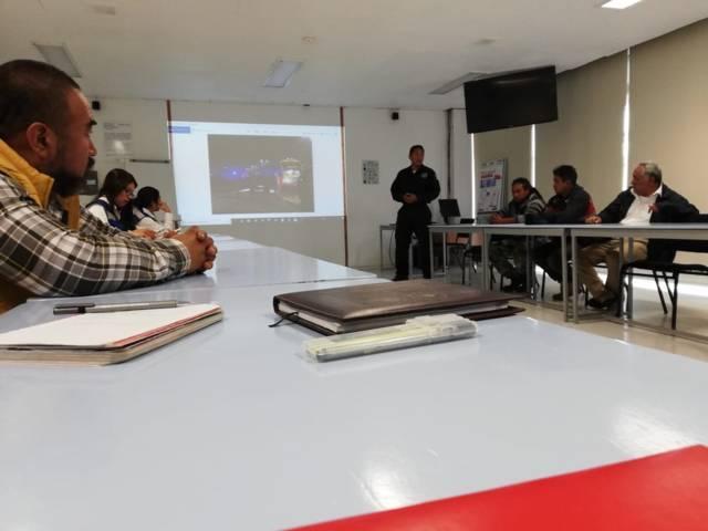 Se reúne Alcalde de Xicohtzinco con gerentes de empresas industriales