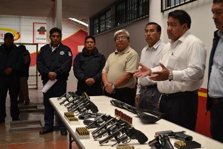 Una policía armada brinda mayor seguridad: Rubén Pluma